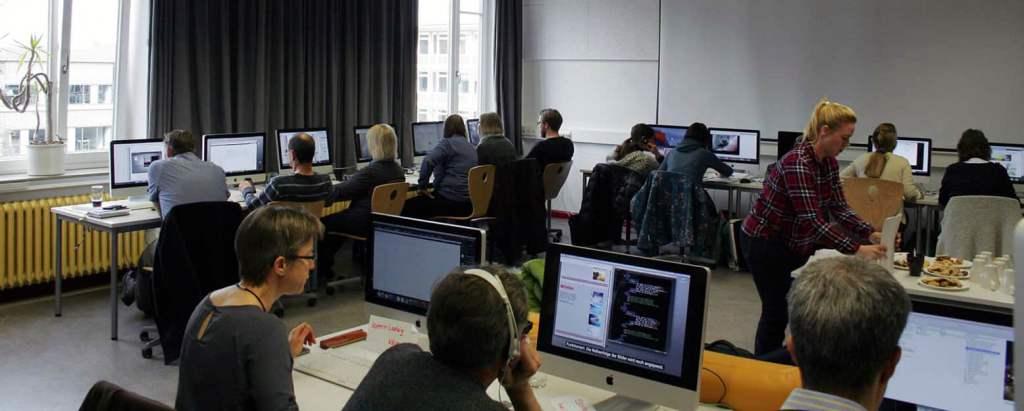 CODE Lehrerworkshop im Jahr 2016 in Zusammenarbeit mit der Lehrerarbeitsgemeinschaft LAG Medien in der Arnold-Bode-Schule.